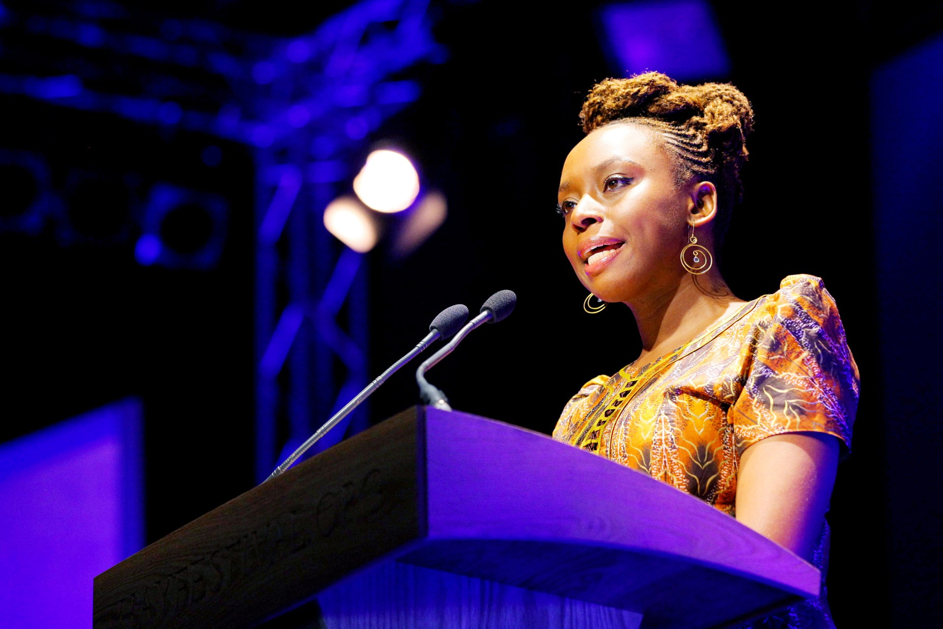 chimamanda-pic-capa-post